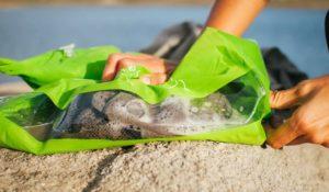 Scrubba-nimeline pesu pesumise kott, mis töötab sarnaselt vana aja pesulaua põhimõttele